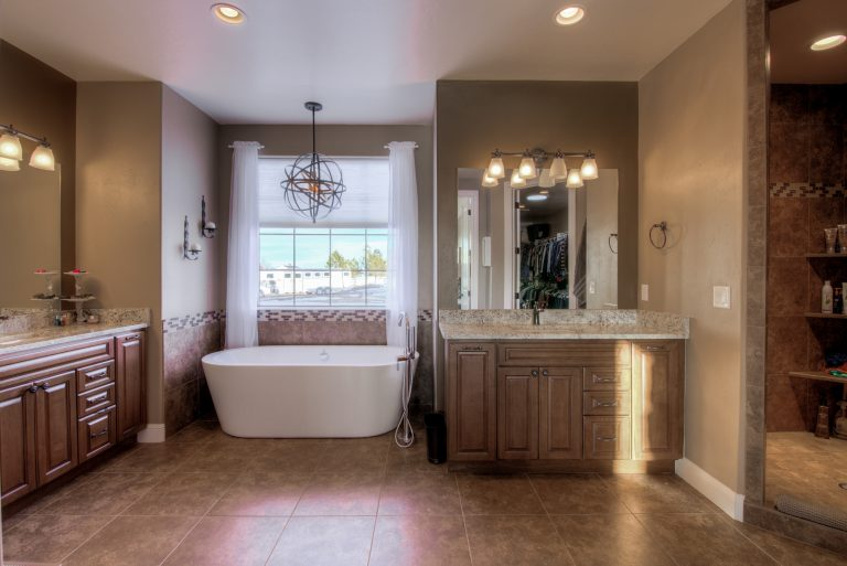 1755 CO-83_22_MasterBathroom